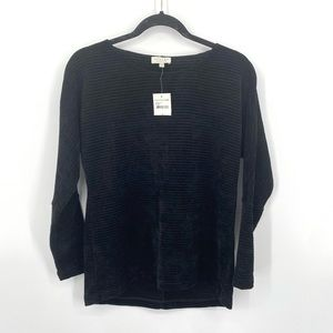 NWT status by chenault ribbed classic soft sweater